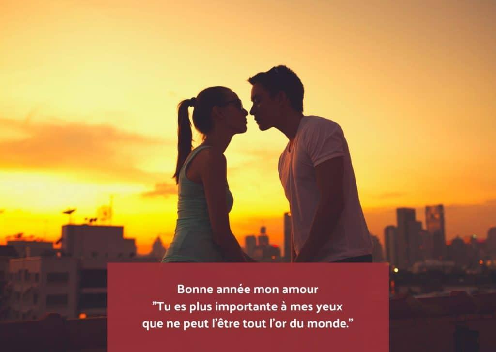 Couple Embrasser Bonne année mon amour